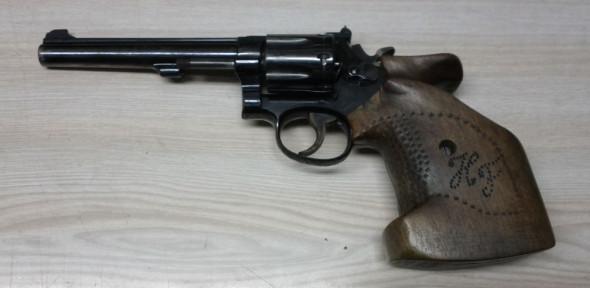 Mein aktuelles Übungsgerät: Smith & Wesson 22er long rifle Revolver
